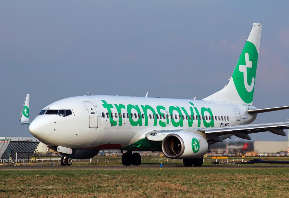 Boeing_737-700_Transavia_new_livery.jpg