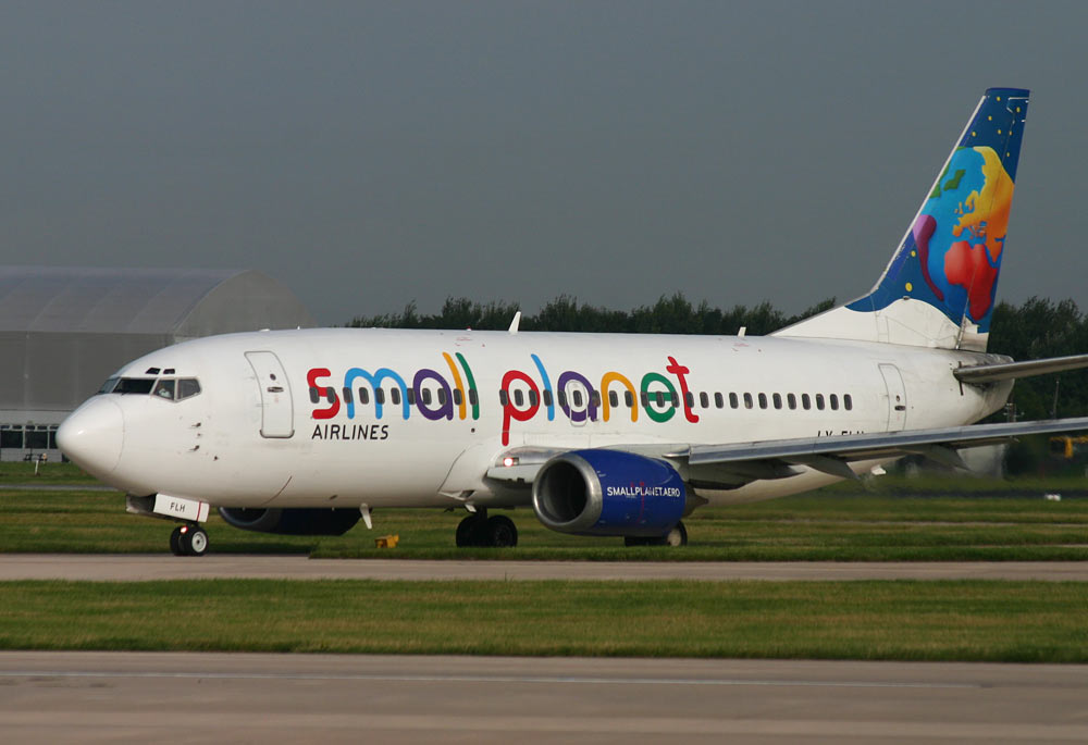Boeing 737-300 Small Planet